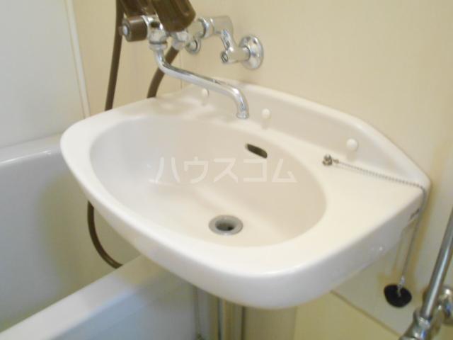 グロリアハイツ 205号室の洗面所