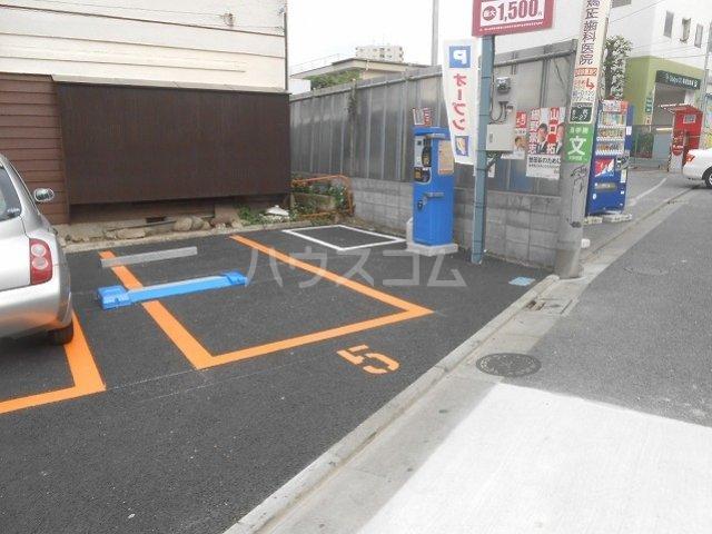 プリマヴェーラ世田谷 203号室の駐車場