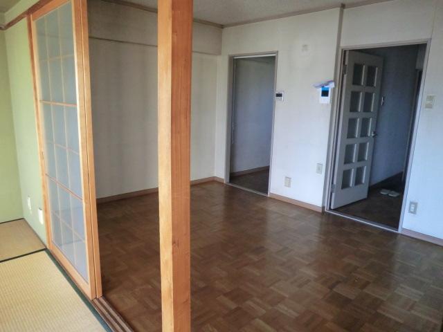 第2グランドハイツ服部 402号室のキッチン