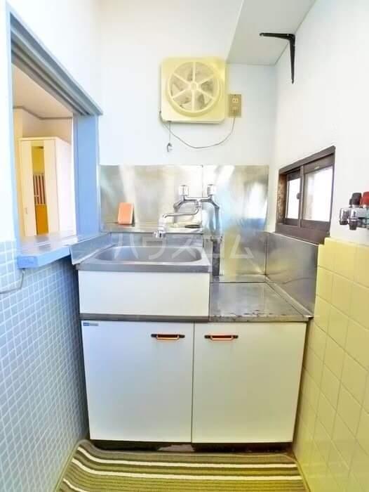 海神マンション 403号室のキッチン
