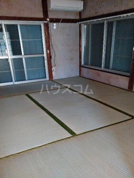 米井荘 205号室の居室