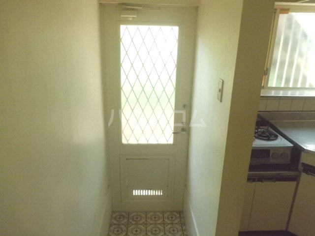 コーポトムラ 101号室の玄関