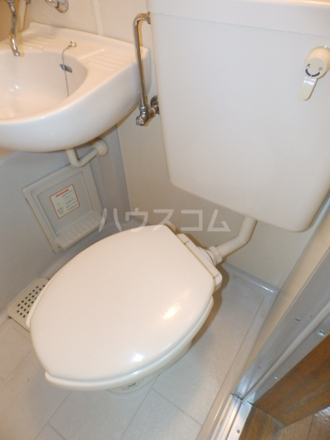 パレスフィールド西船 302号室のトイレ