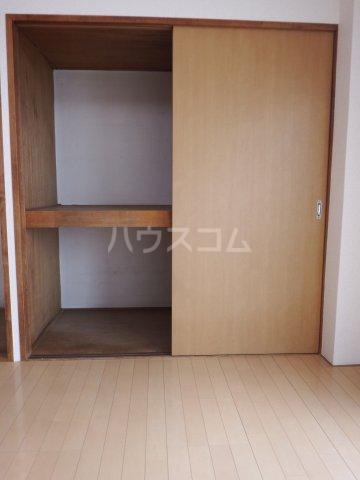 五香サンロードス 305号室のベッドルーム