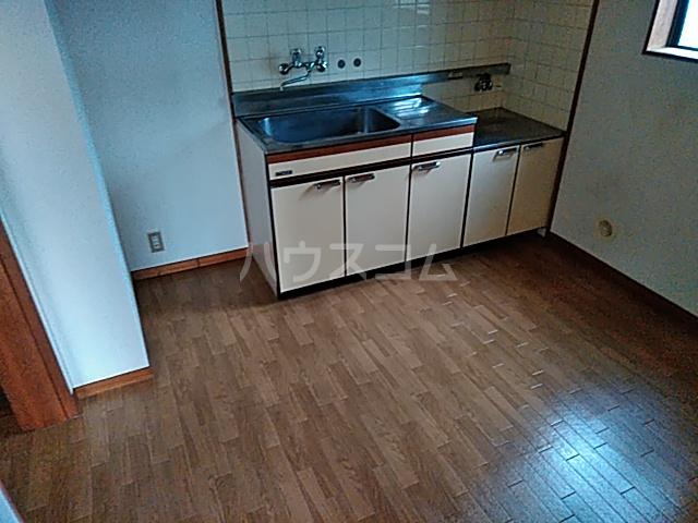 グリーンサンハイツ 101号室のキッチン