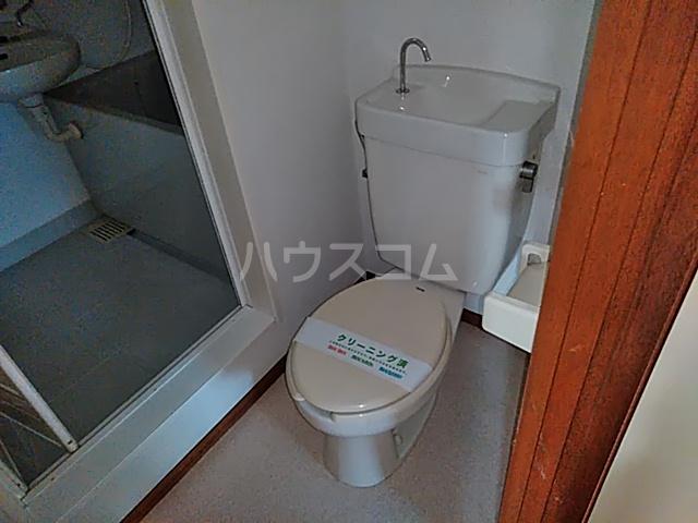 グリーンサンハイツ 101号室のトイレ