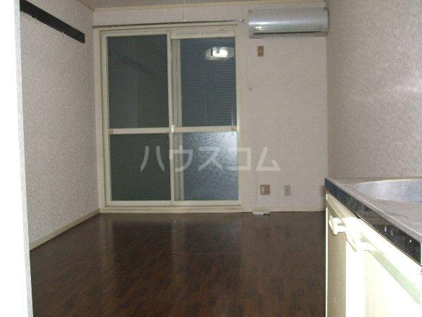 タキハウス 102号室の居室