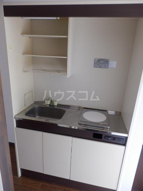 ベルコリーヌⅢ 208号室のキッチン