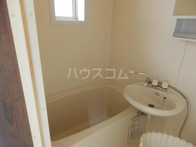 ベルコリーヌⅢ 208号室の風呂