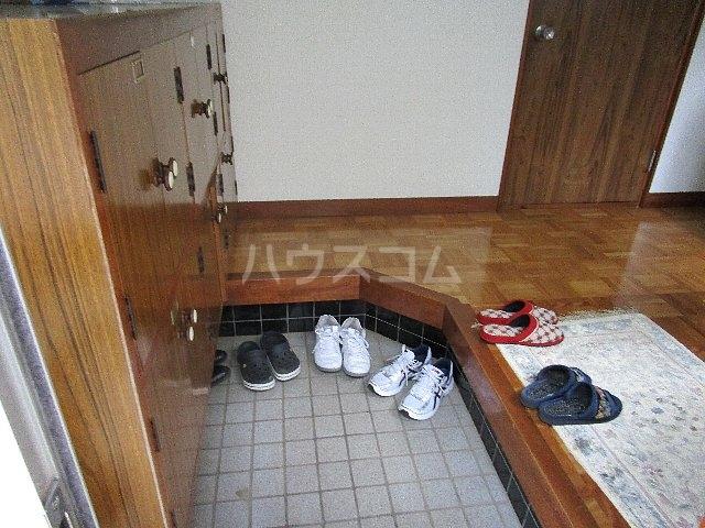 コーポ川崎 202号室の玄関
