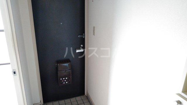 浅野ビル 6B号室の玄関