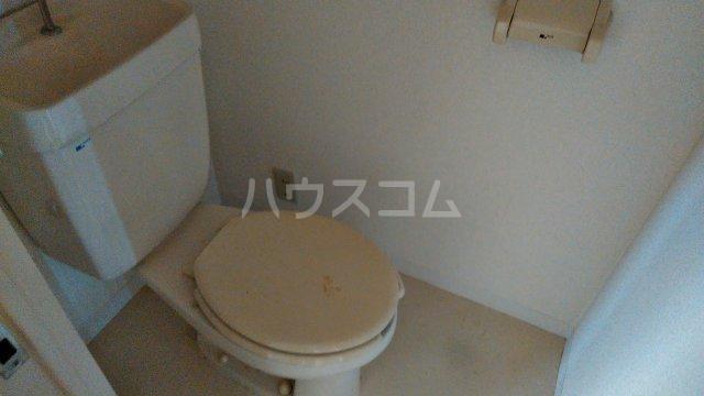 浅野ビル 6B号室のトイレ