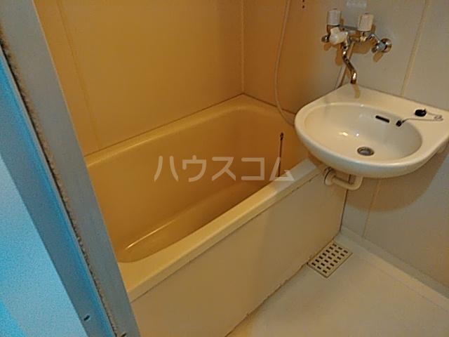 等々力フラワーガーデン 108号室の風呂