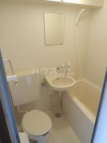 メゾン小川 201号室の洗面所