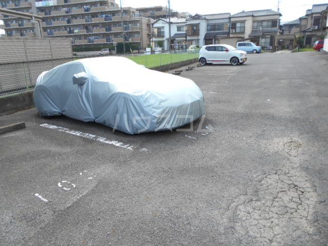セントポーリア 104号室の駐車場