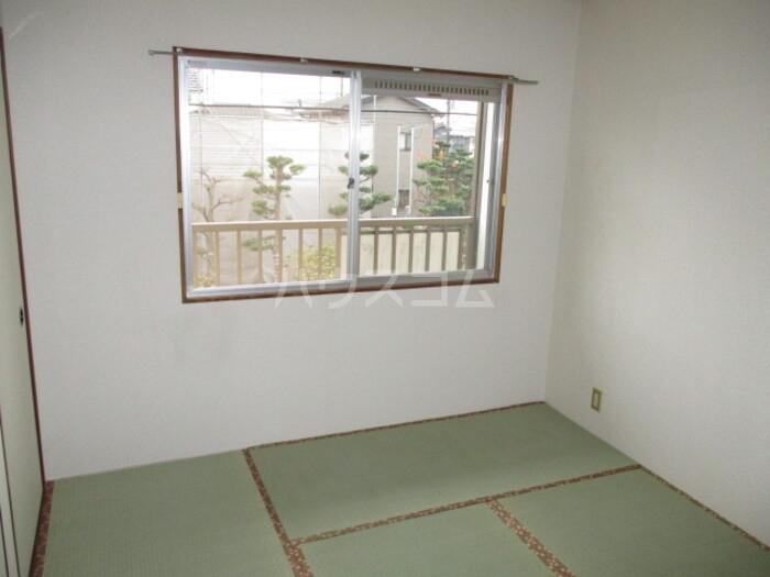 神取ハイツ 202号室の居室