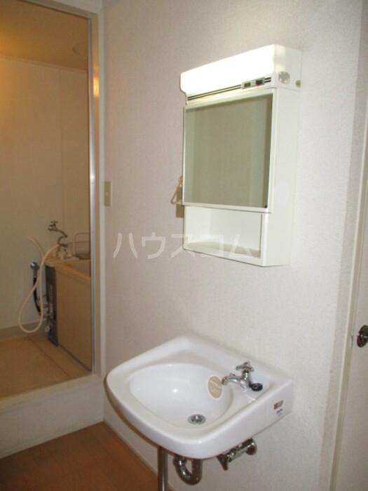 神取ハイツ 202号室の洗面所