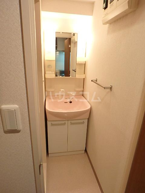 プロッシモ西船橋 303号室の洗面所