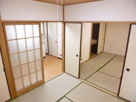 湯浅マンション 402号室のリビング