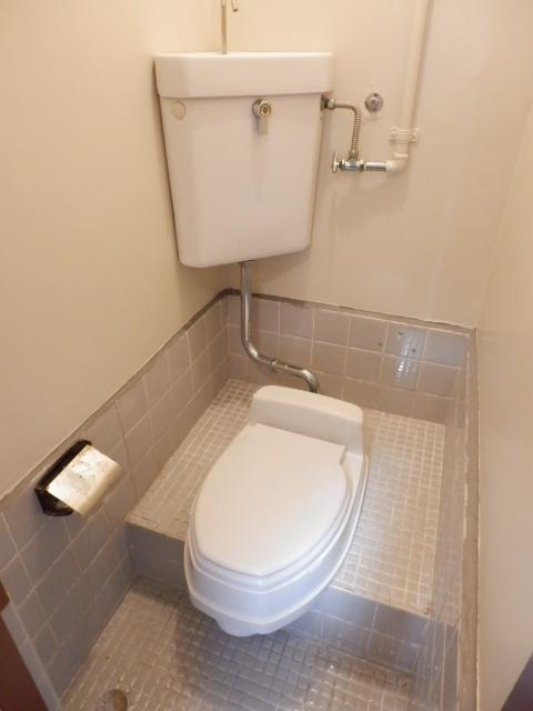 湯浅マンション 402号室のトイレ