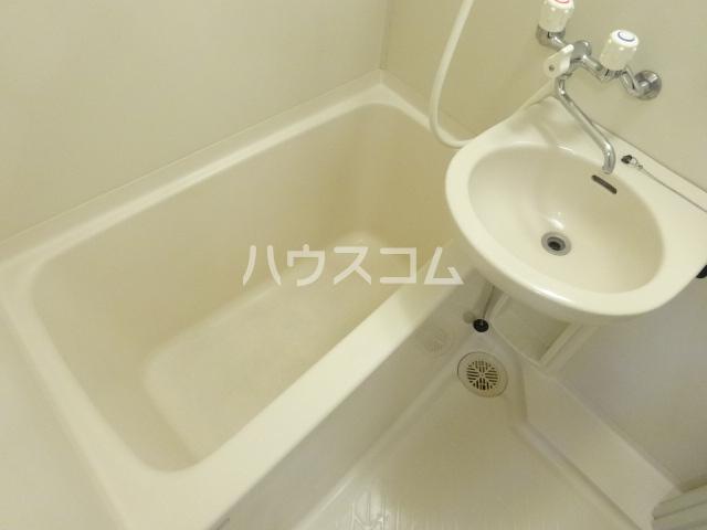 リヴェールビッグパイン 701号室の風呂