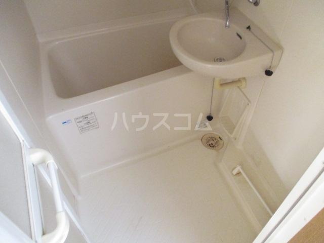 マ・メゾン 101号室の風呂