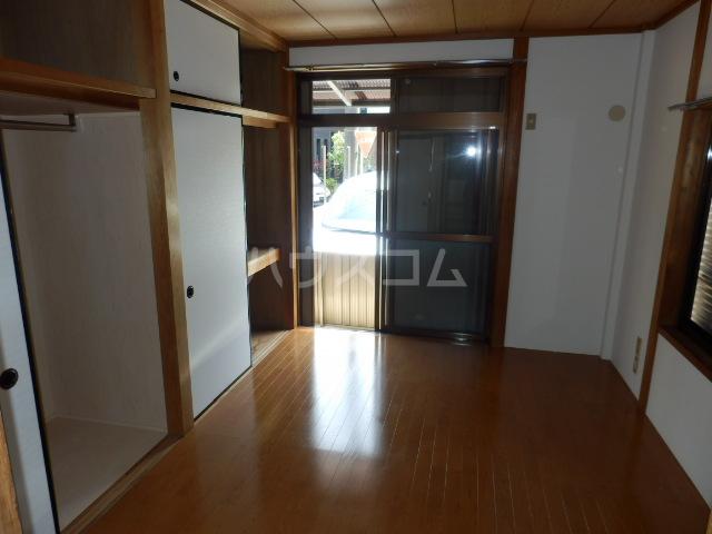 エレガンスハイツ 101号室の居室