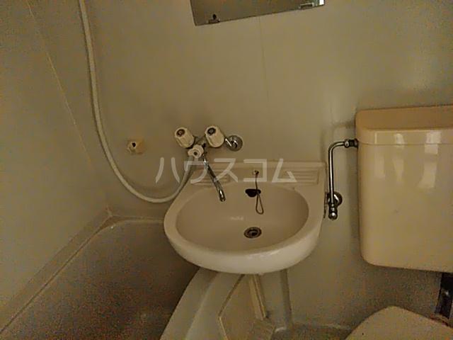 ユースハイム 102号室の洗面所