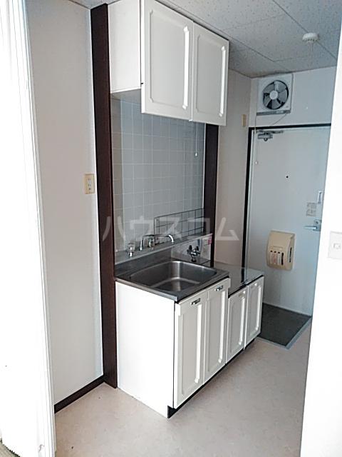 ユースハイム 102号室のキッチン