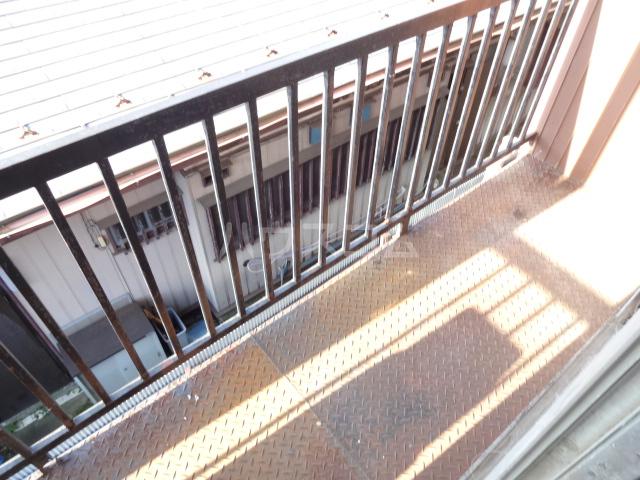 松籟荘 C号室のバルコニー