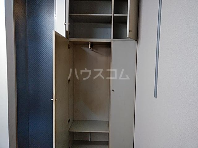 ドムス神山 B1号室の収納