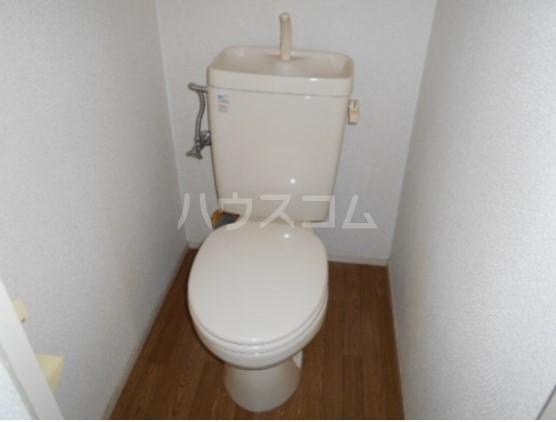 神取ハイツ 104号室のトイレ