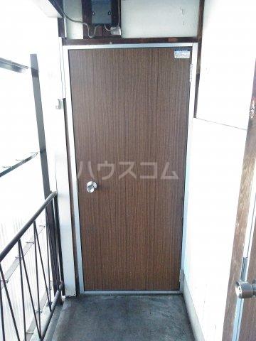 浅見荘 7号室の玄関