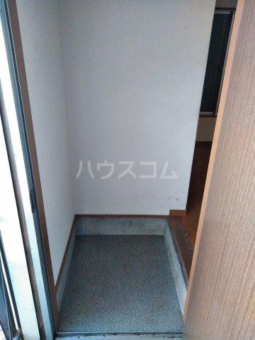 浅見荘 7号室のエントランス