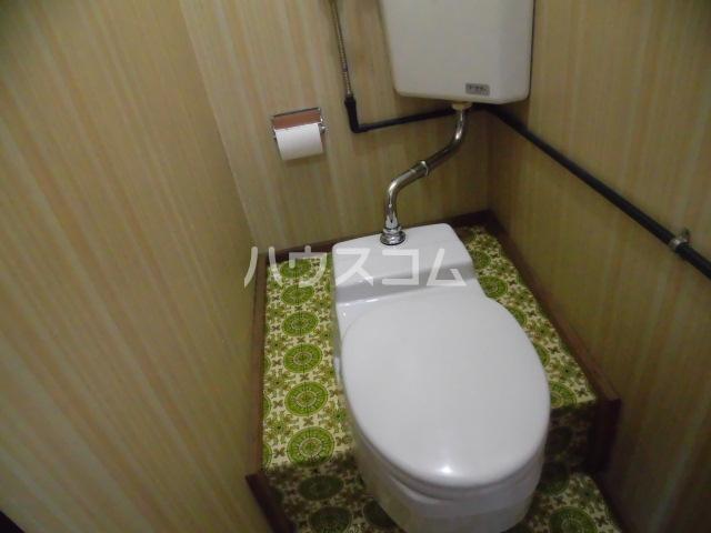 ドウェルさかえ 215号室のトイレ