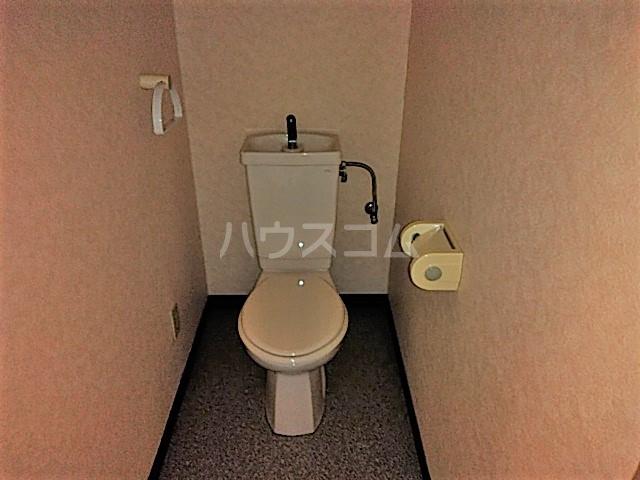 ヴィラウエノ 401号室のトイレ