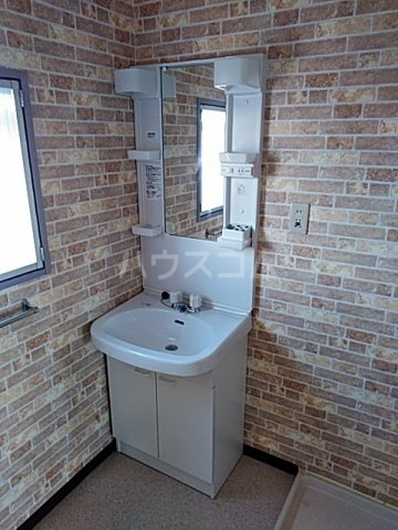 ヴィラウエノ 401号室の洗面所