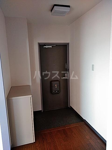 ヴィラウエノ 401号室の玄関