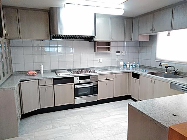 サンモール上用賀 401号室のキッチン
