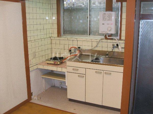 フォーブル玉堤 102号室のキッチン