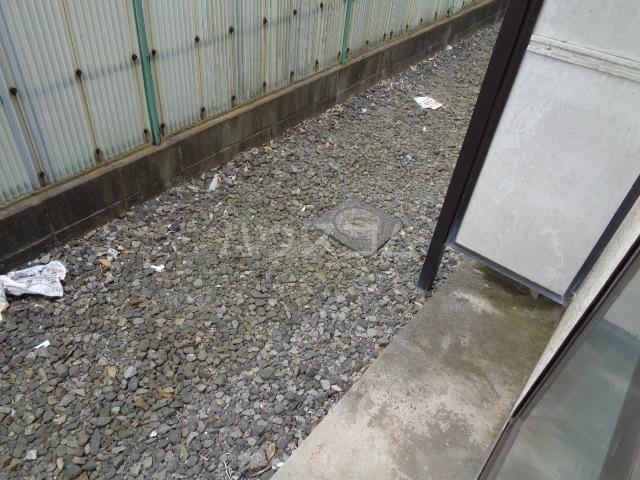 ハウスピアヤマモト 106号室のバルコニー