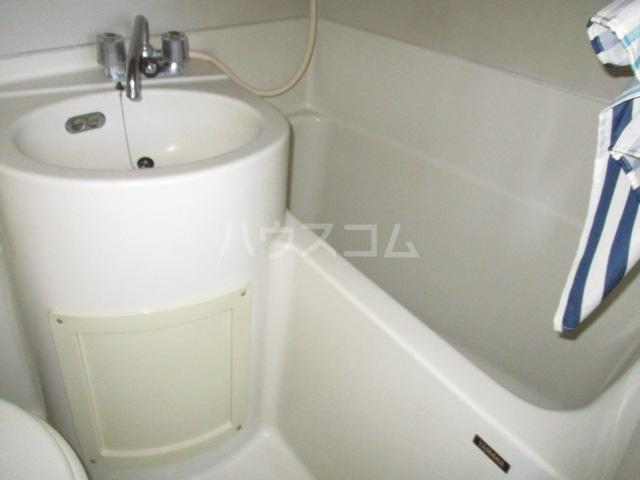 ユタカハイツ 201号室の風呂