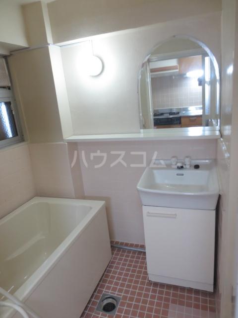 自由が丘第3コーポ 302号室の洗面所
