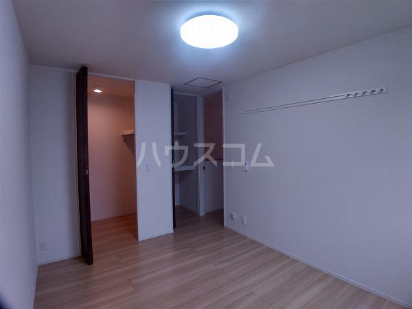プレミアム井田 205号室のリビング