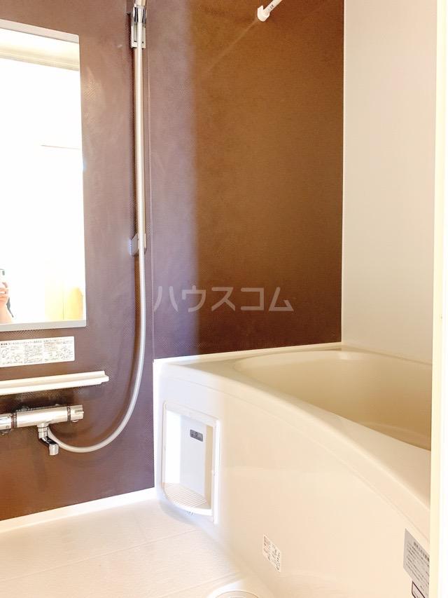 レガーシア 01010号室の風呂