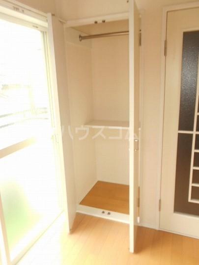 レオパレス三軒茶屋 103号室の収納