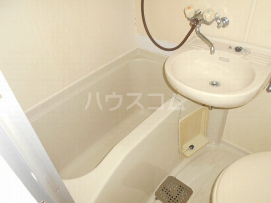 レオパレス三軒茶屋 103号室の風呂