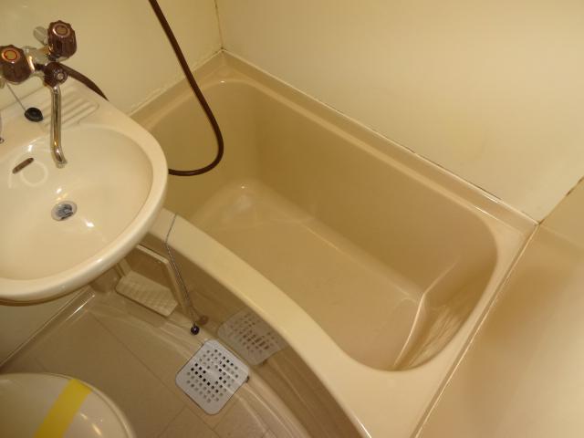 セシリヤハイム 204号室の風呂