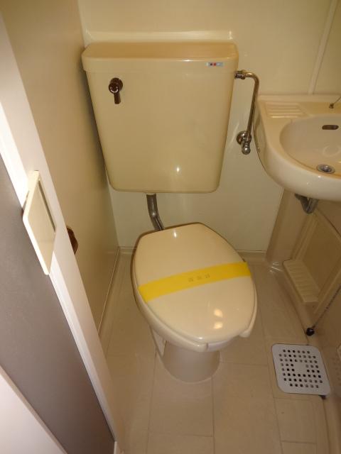 セシリヤハイム 204号室のトイレ