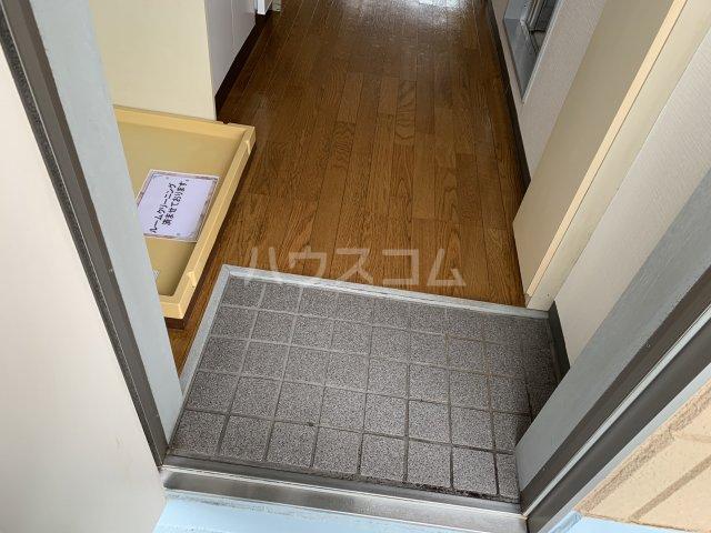 サンアベニュー谷津 202号室の玄関